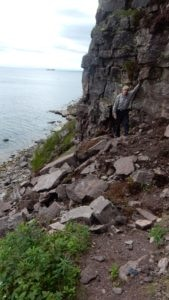 Collapse of narrow trail