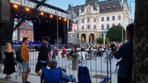 Watching Slovenia Symphony Orchestra, comfortable and free