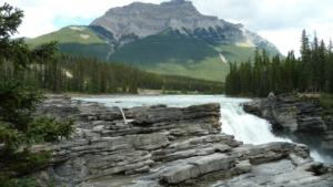 Athabasca-Falls-between-Jasper-and-Colombia-Ice-Field